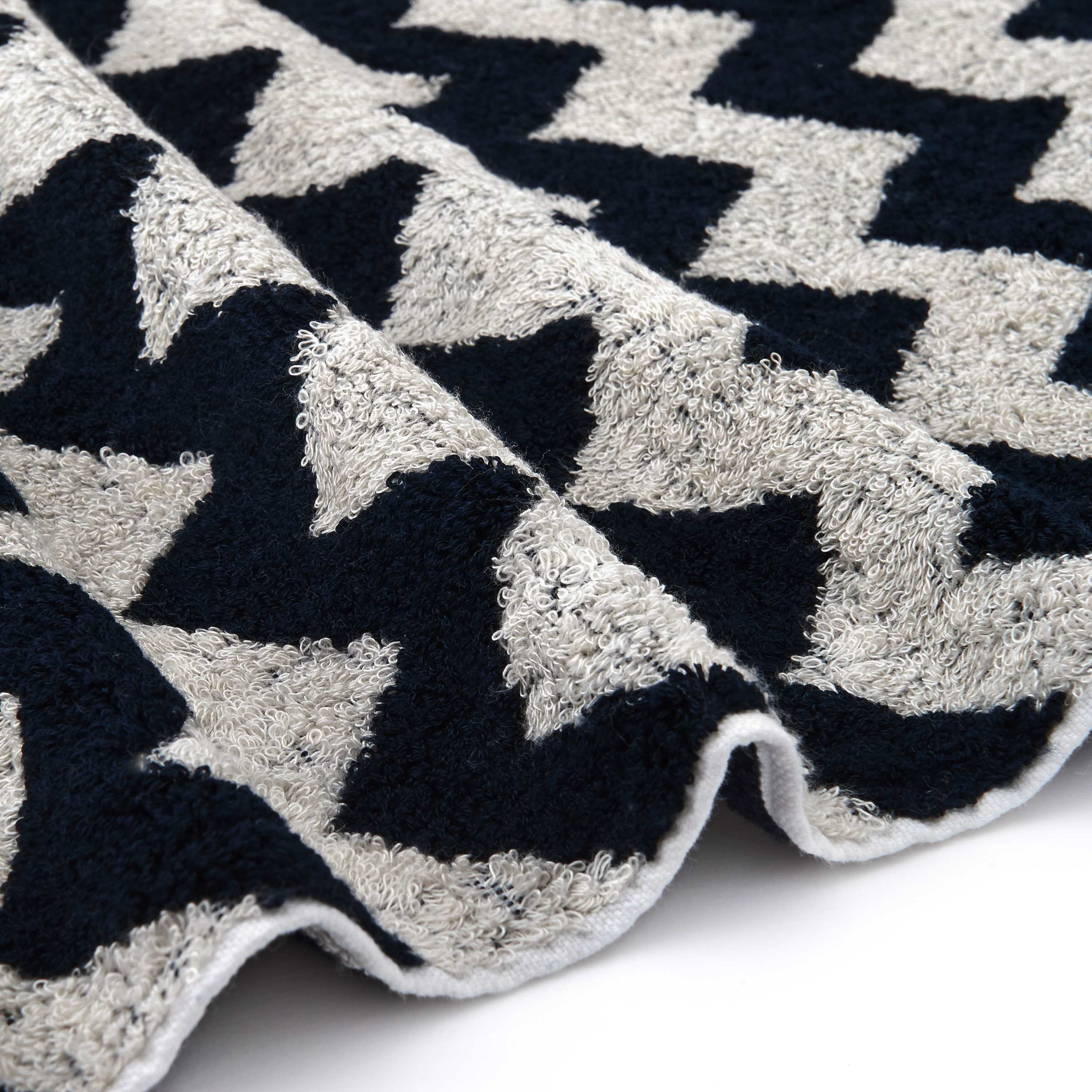 HAND TOWEL (CHEVRON)